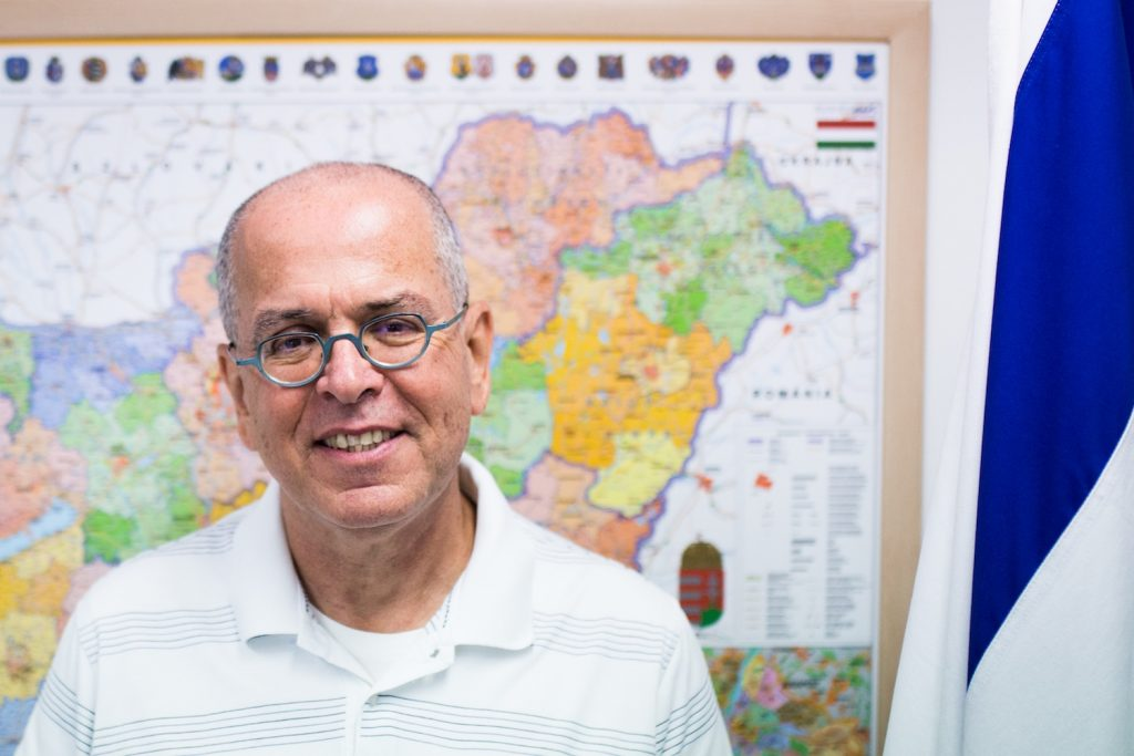 """I do not see Arabs as enemies"""" – Israel's outgoing"""