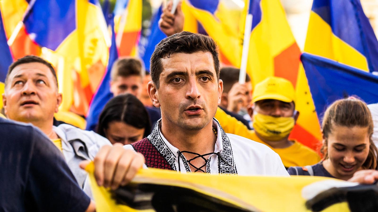 """""""Hasonlók a céljaink, mint a Fidesznek"""" – portré az új román szélsőjobbról"""