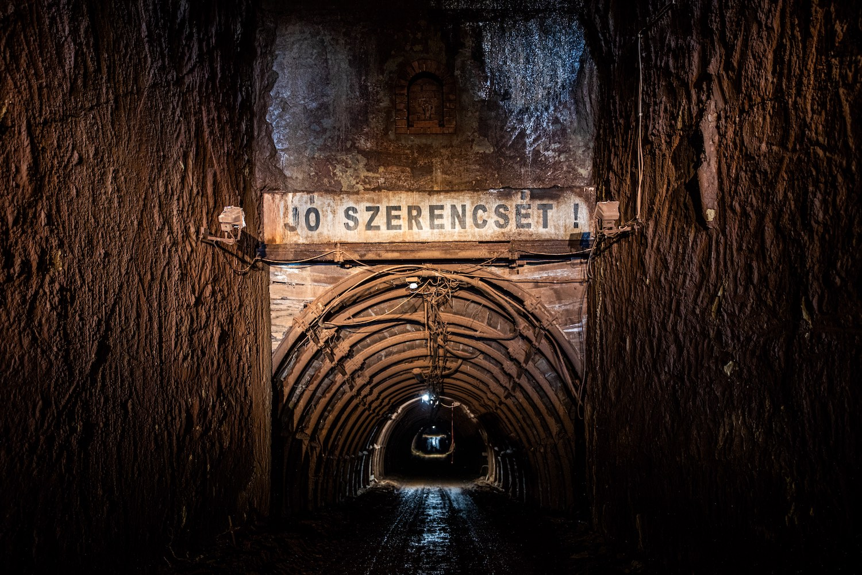 (Mobilnézetben lapozzon a további képekhez! Ha nem látja őket, görgesse a cikket!) A bánya bejárata,