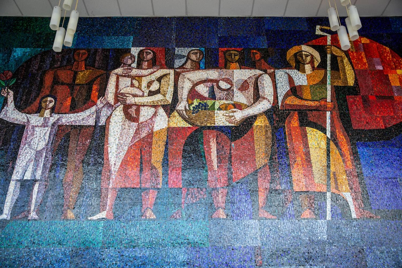 Blaski János mozaikképe a József Attila Művelődési Központban (1967),