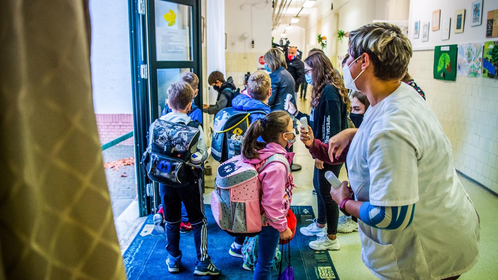 Osztály, vigyázz! – 5 dolog, ami hiányzik a biztonságos iskolanyitáshoz