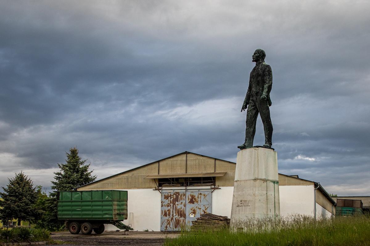 Lenin egy mecsekjánosi ipartelepen