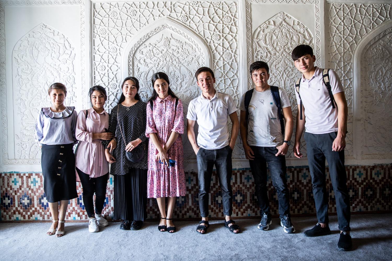 Fiatalok a kokandi káni palotában