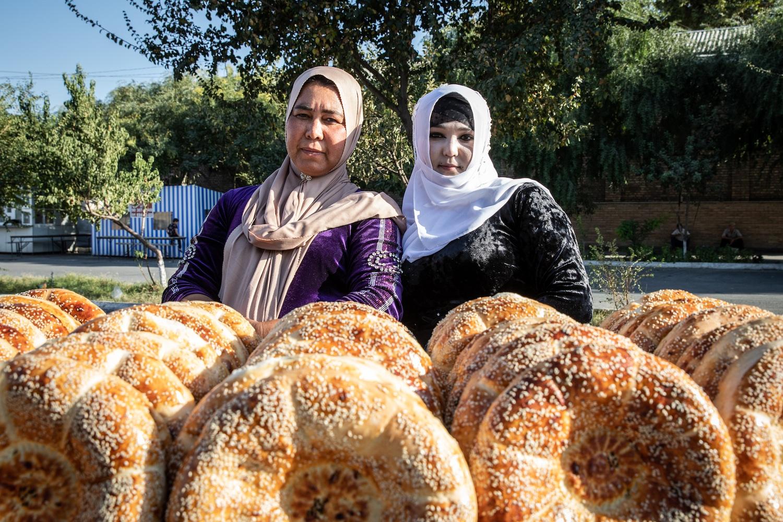 Kokandi kenyérárusok (fotók: Válasz Online/Vörös Szabolcs)